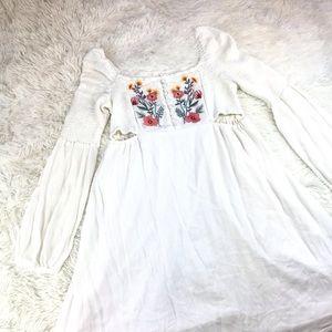 COCO + JAIMESON Boho Embroidered Floral Dress